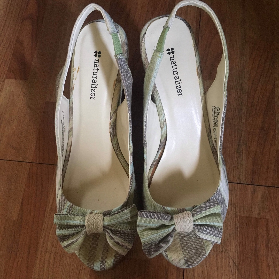 ad3cb9637b8 Naturalizer Wedge Sandals