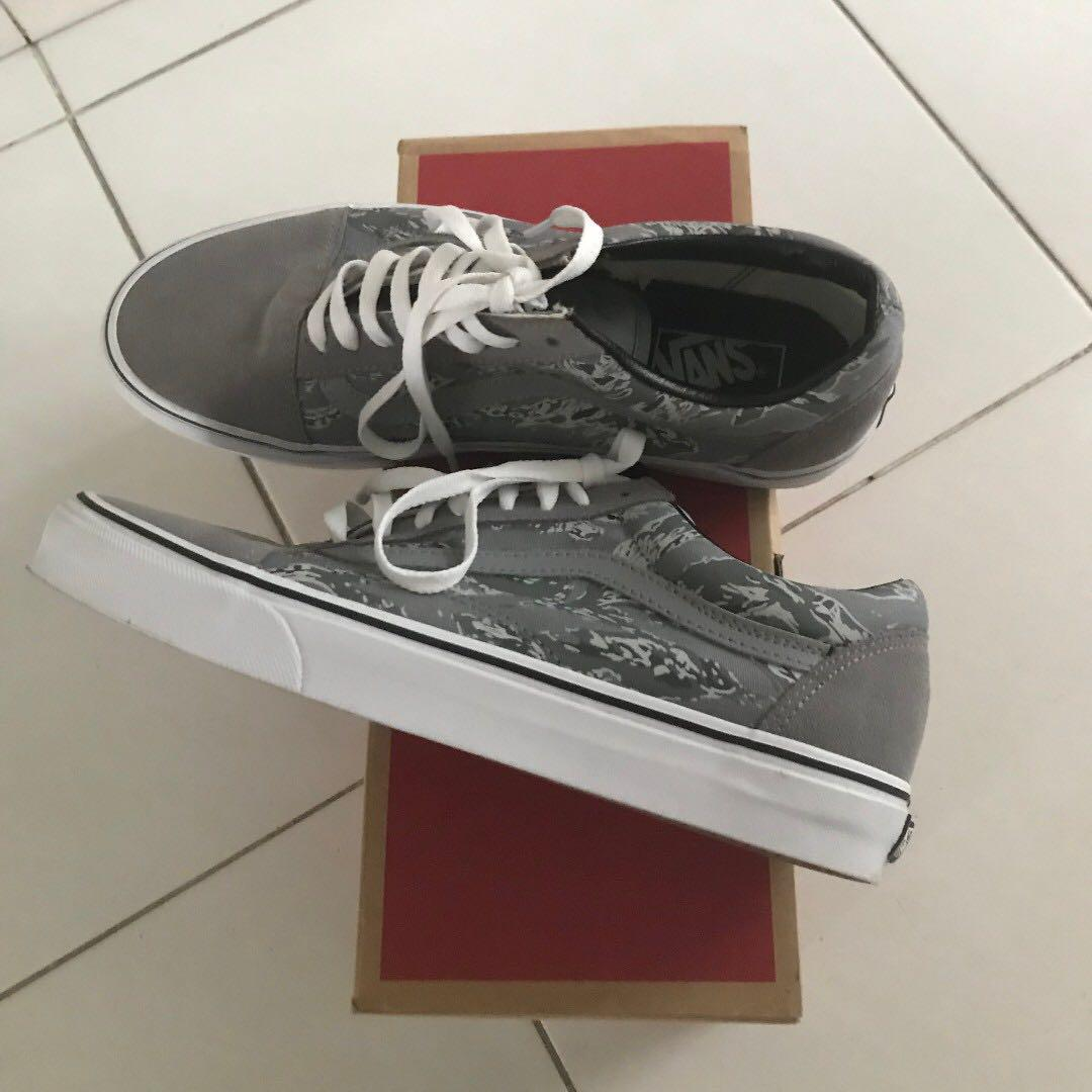 4206a099 Vans Old Skool Tiger Camo (Frost Gray/True White), Luxury, Shoes on ...