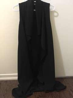 Black sleeveless light coat