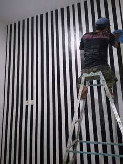 Wallpaper Sticker Dinding 10 Meter - Garis Hitam Elegan