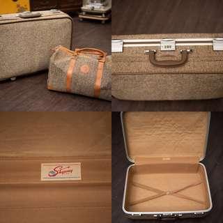 老舊古董行李箱