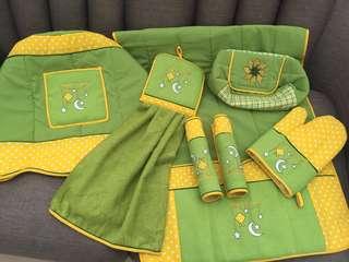 Set Cover Sarung Tutup Galon Air, Kulkas, Tempat Tissue, Lap Kain Berbordir Export Quality