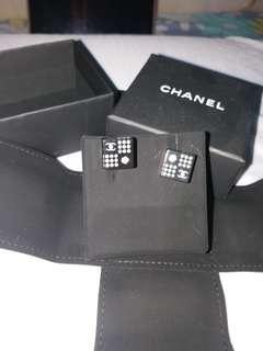 Chanel 耳環全新
