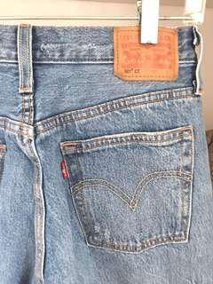 * PRICE DROP Levi's 501 Jeans
