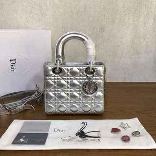 Dior 最火爆款四格小羊皮,