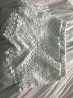 Saks fifth avenue lace shorts