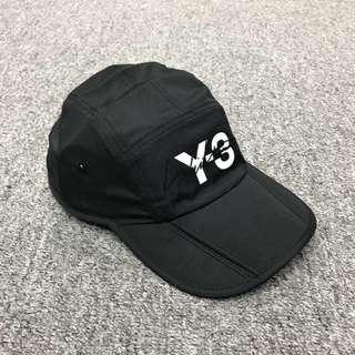 Y3,另外仲有黑色logo款