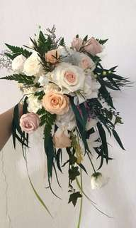 Pure-cascading preserved flower wedding bouquet