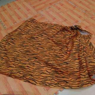 Nursing apron motif tiger