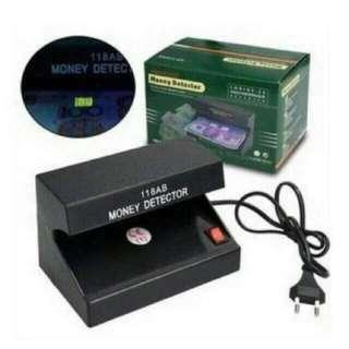 money detector