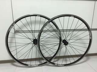 Giant SR-2 wheelset (front and rear) (10 speed wheels)