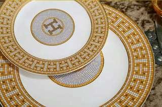 H Set Plate