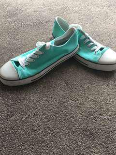 Aqua low canvas shoes