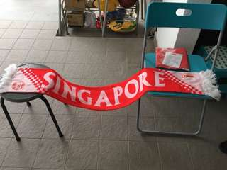 Brand new SG50 5 feet Long Singapore scarf and brand new flag for the patriotic this National Day for only $20