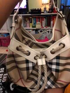 100% real  Burberry shoulder bag. 90% new