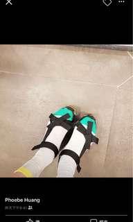 🚚 正韓涼鞋 魔鬼氈黏貼  搭襪穿更有型 售出不退換 25號