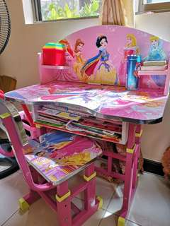 VGUC Disney chair and table