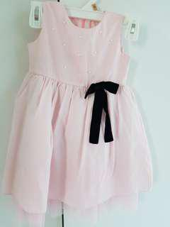 Cute dress with black velvet ribbon