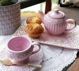 Embossed Pink Lace Coffee Set