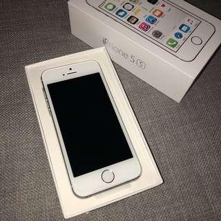 BRAND NEW iPhone 5s 16BG silver