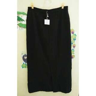 rok hitam panjang