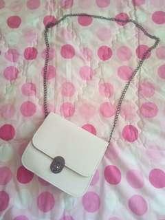 NEW white slingbag