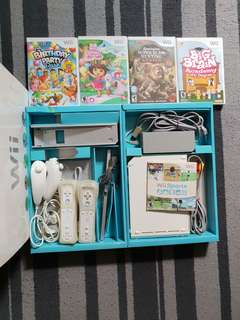 Preloved wii console bundle with games