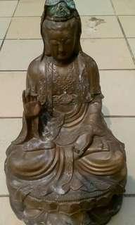 Patung Dewi Kwan Im Perunggu.Tinggi 47,lebar 25.