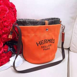 Hermes 帆布水桶兩隻