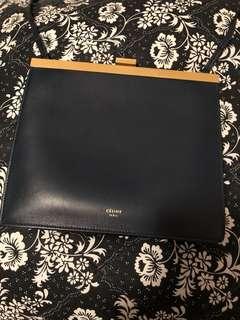 CELINE MINI CLASP BAG IN SMOOTH CALFSKIN 原價15500 HKD DARK BLUE