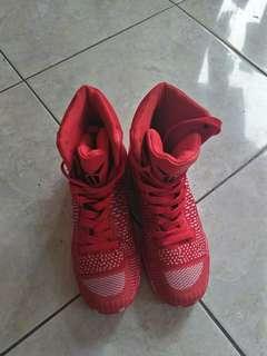 Sepatu basket size 39