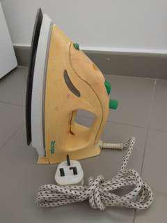 $1 !!! Tecnogas Steam Iron