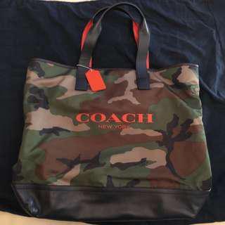 COACH 限量版迷彩包 要買到也很難  皮革提把 包包底部也是皮革
