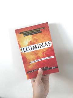 🚚 [FREE NM] Illuminae by Amir Kaufman and Jay Kristoff