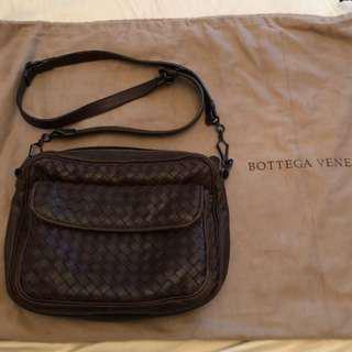 BV 側背包 金典限量版 現在也不出了 當初買是專櫃裡最貴的包包