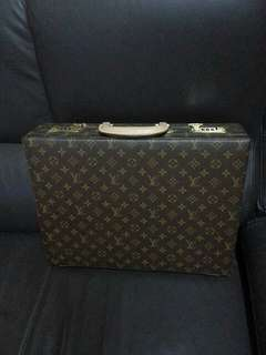 LV office bag box with pin lock