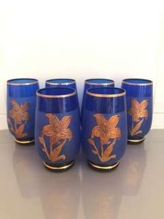 5 Antique cups