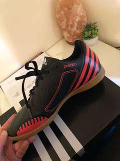 ADIDAS SOCCER BOOTS Worn once