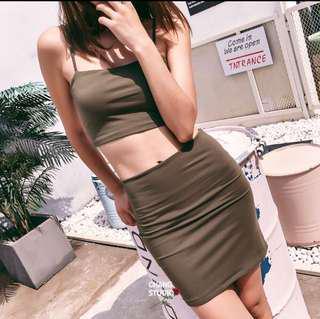 🚚 歐美雙層細肩帶背心+緊身包臀短裙(套裝)