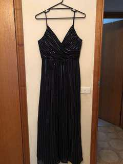 NEW BARIANO GOWN NEVER WORN