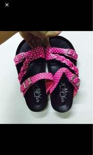 🚚 粉紅點點拖鞋