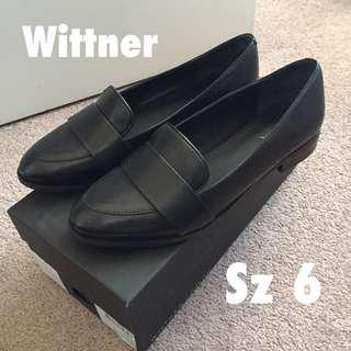 100% Leather Loafers worn twice Sz 6-6.5