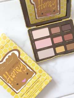 Too Faced Peanut Butter and Honey Eyeshadow Palette
