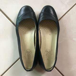Gibi black shoes