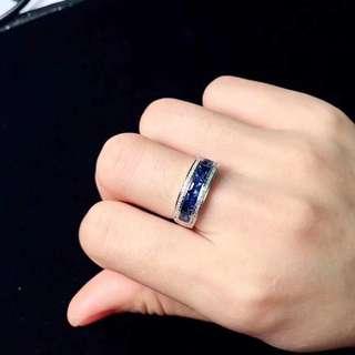 18K金鑲藍寶石戒指