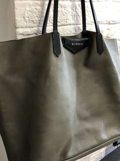 Large Givenchy Antingoa tote bag