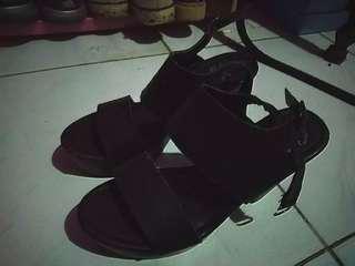 Sepatu heels preloved