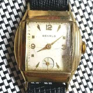 🚴10K包金🚴 60年代產物Benrus酒桶形古董錶 典雅大方,原裝錶面,無番寫,小三針,真皮錶帶,原裝瑞士17石上鏈機芯,已抹油,行走精神,拱形塑膠上蓋,10K包金錶殼,錶頭30x38mm,淨錶,有意請pm