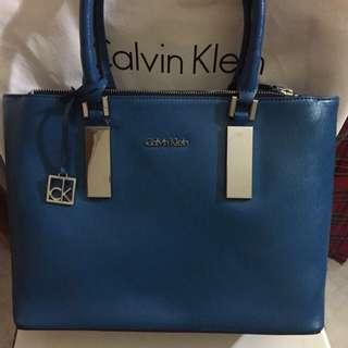 Calvin Klien 100 % NEW and leather tote bag