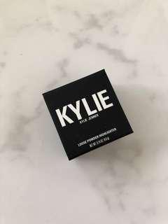 Kylie Wisteria Loose Powder Highlighter